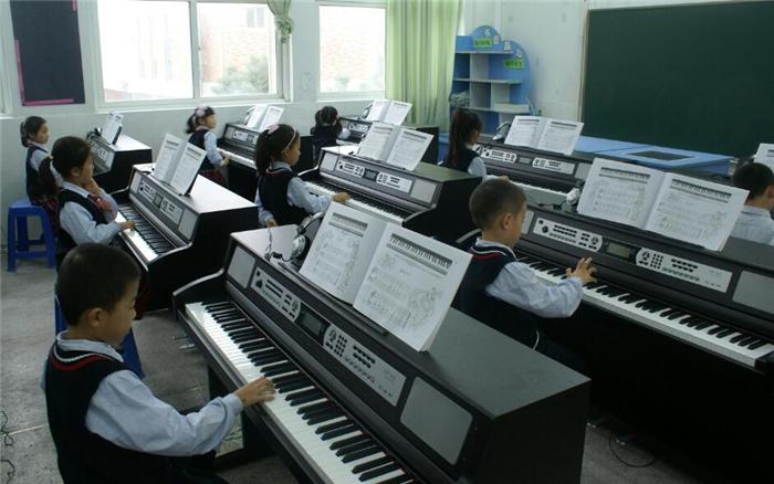 Hi,Fun幼幼钢琴课加盟.jpg