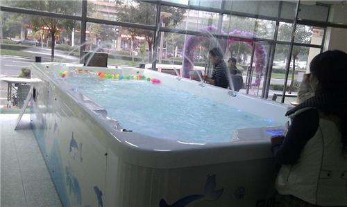 乖宝贝婴儿游泳馆加盟