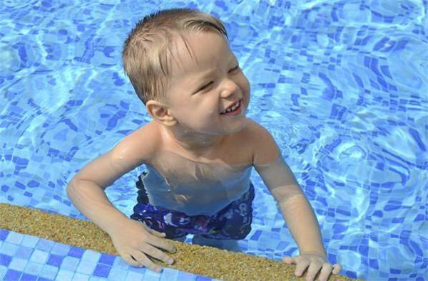 蓝精灵婴幼儿游泳乐园加盟详情