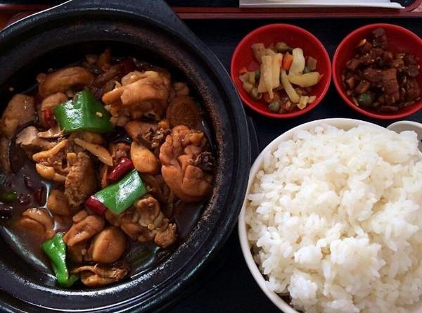 泉碗香黄焖鸡米饭加盟详情