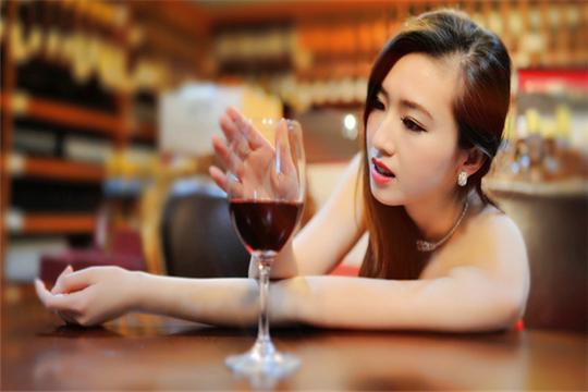柏卡红酒加盟详情