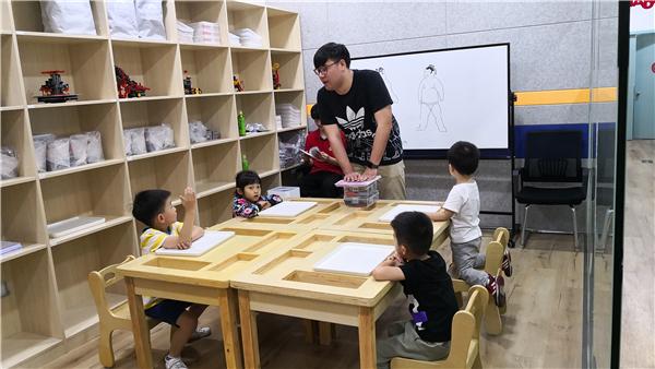 日本修曼机器人教育加盟
