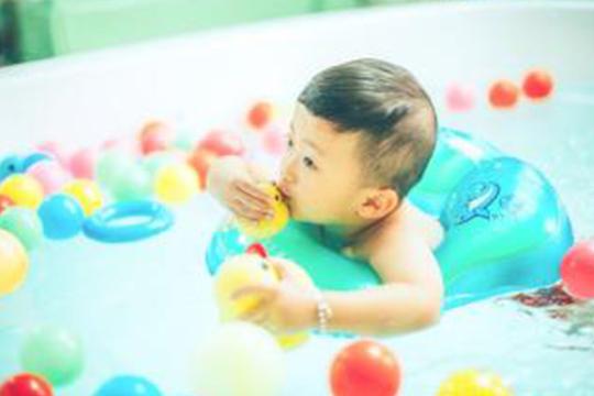 咿蕾娃婴儿游泳馆加盟流程