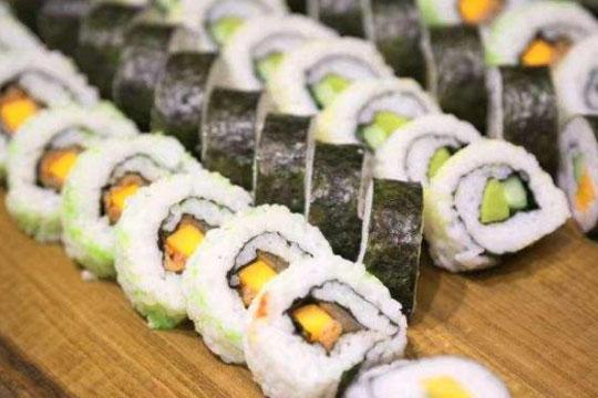 黑眼熊寿司加盟条件