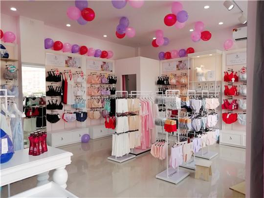 歐詩雨內衣加盟店產品陳列圖