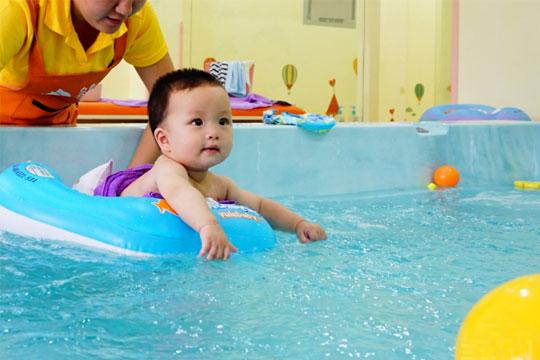 猪贝贝婴幼儿游泳馆加盟详情