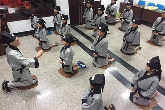 龍喵新語國學教育加盟