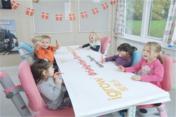 现在加盟爱果乐学习桌品牌可以赚钱吗