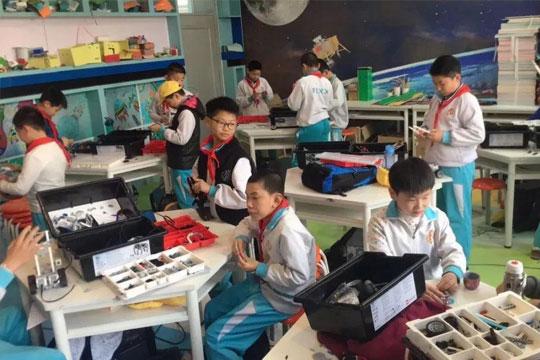 机器人教育加盟市场广阔,阿几米の机器人编程怎么加盟