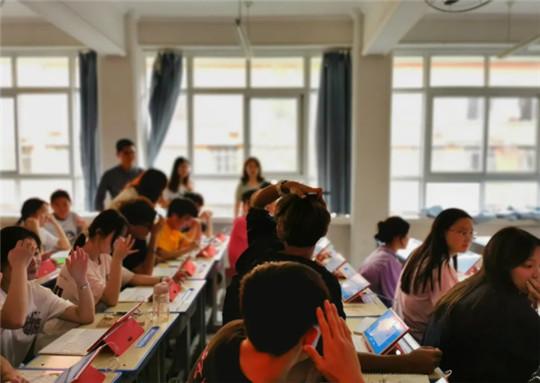 小红本学习机,自动生成学习报告,让学习有迹可循