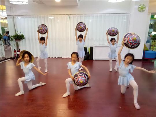 艾莎同学舞蹈培训加盟