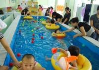 婴儿游泳馆门店图
