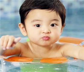 靓宝宝游泳馆加盟店
