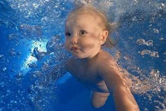 爱婴世家婴幼儿游泳馆