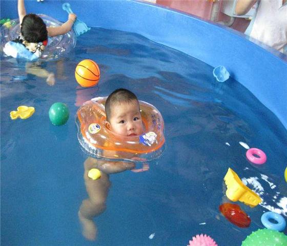 智豪婴儿游泳设备