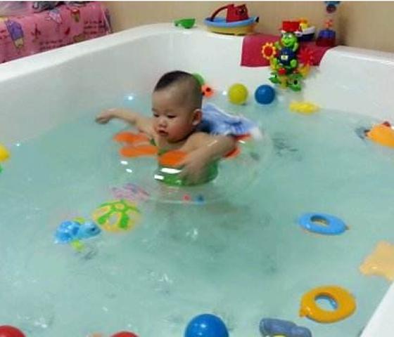 水精灵婴幼儿游泳馆加盟